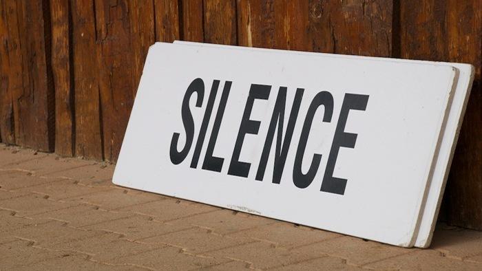 silence sign